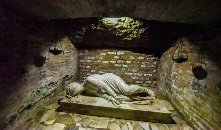 Rome Ancient Catacombs - Unique Rome Private Tours